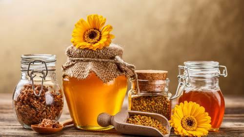 Маска из меда и корицы для осветления волос