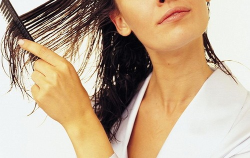 как правильно наносить касторовое масло на волосы и сколько с ним ходить