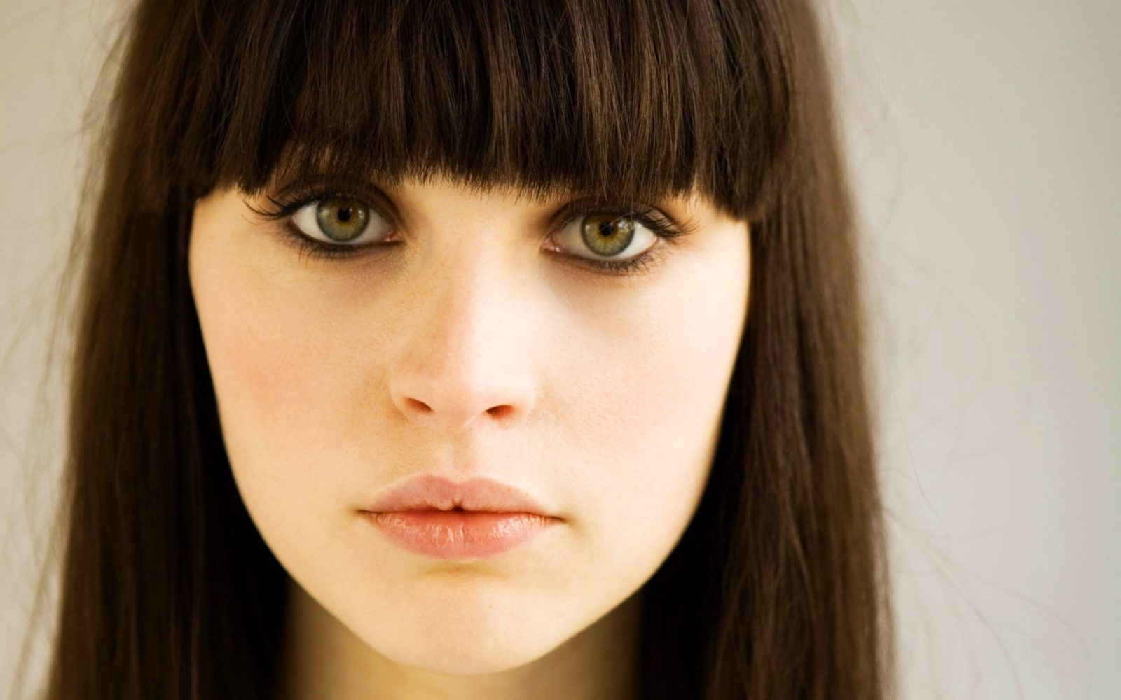 цвет волос для каре-зеленых глаз
