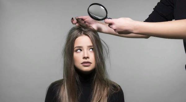 неприятный запах от кожи головы волос причины